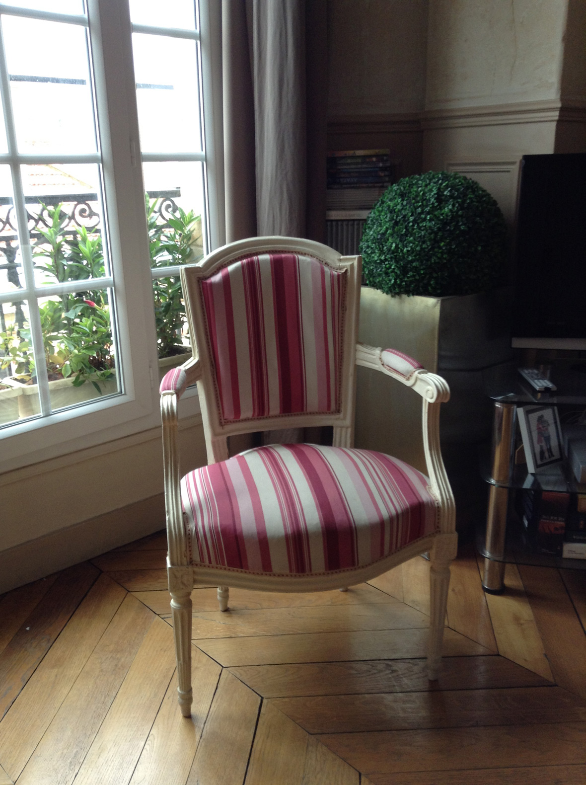 fauteuil cabriolet louis xvi gilles auriol tapissier. Black Bedroom Furniture Sets. Home Design Ideas